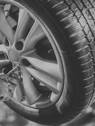 Tip Top Auto Repairs img-parallax01-img02 home testimonial16